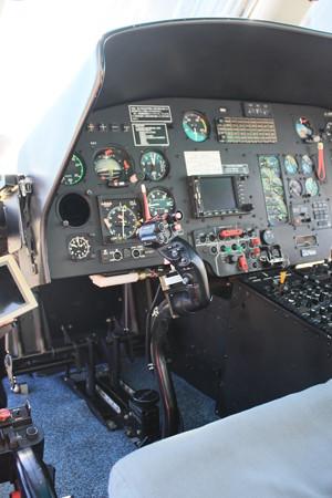 名古屋市消防局航空隊 ユーロコプターAS365N3 JA758A コックピット 左席 IMG_9013