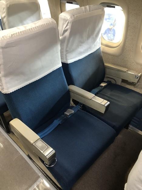 YS-11 52-1152 機内 一般席シート IMG_2039