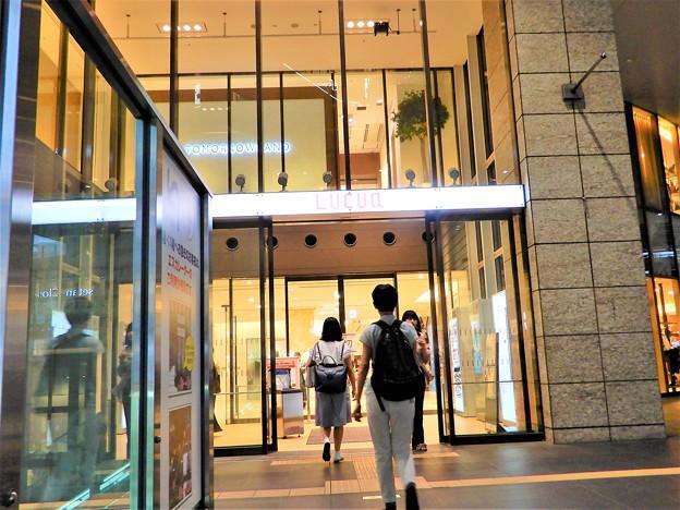 ルクア3階入口