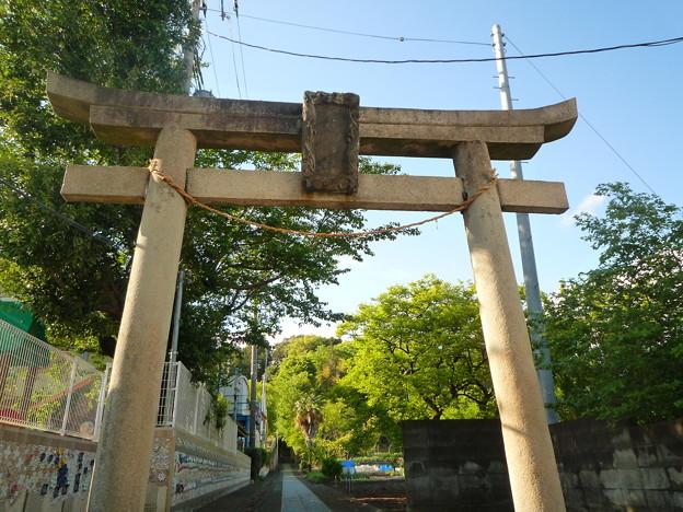 月讀神社 表参道入口の大鳥居