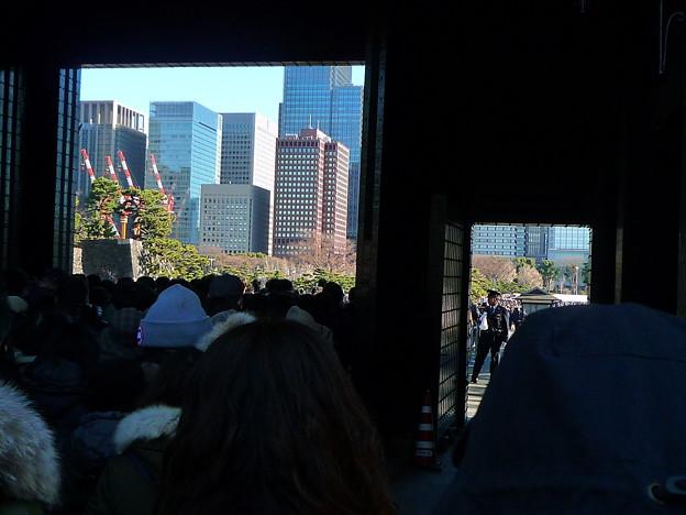 坂下門から見る景色(日比谷通り方面