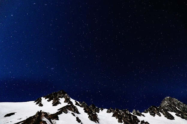 写真: 星空の下のディスタンス