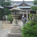 Photos: 灯篭と社殿