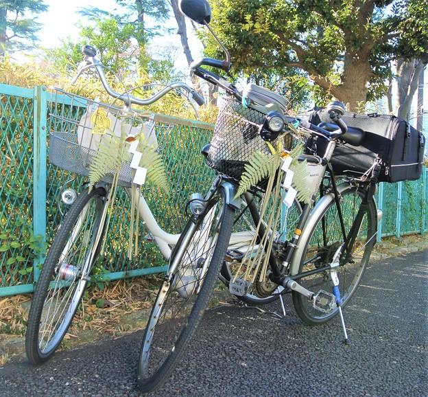 自転車にも正月飾り