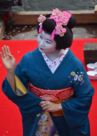 160416霞城公園の舞子さん07