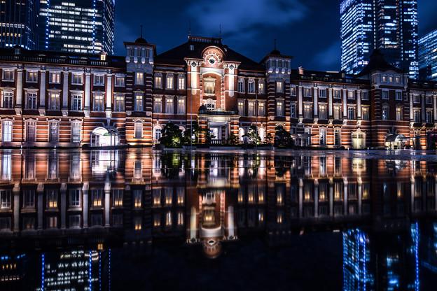 雨上がりの東京駅