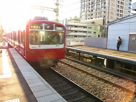800形(仲木戸駅)