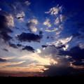 写真: サバンナの夕焼雲