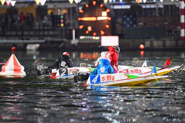 水野望美選手10R4号艇5着 (3)