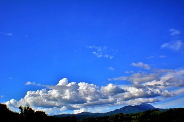 写真: 浮かぶ雲