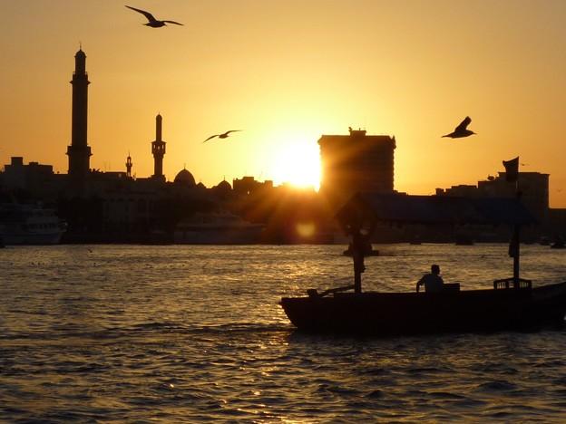 ドバイの夕暮~UAE Deira from Abra on Dubai Creek