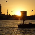 写真: ドバイの夕暮~UAE Deira from Abra on Dubai Creek