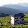 Photos: 大朝日岳山頂避難小屋