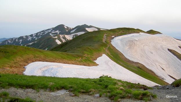北股岳方面の山並み
