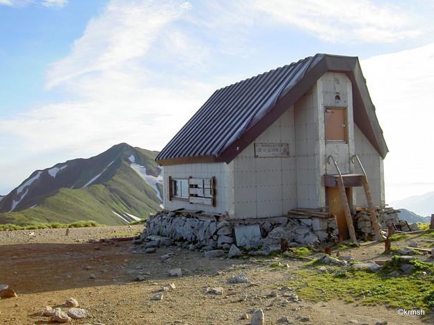 御西岳避難小屋
