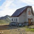 Photos: 御西岳避難小屋