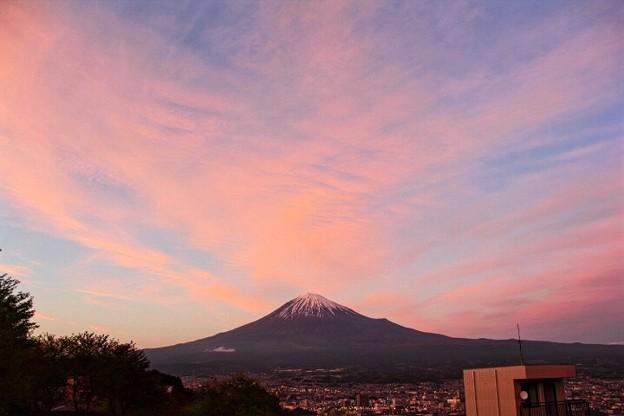 写真: 4月15日富士宮からの夕方富士山~ 綺麗な夕焼けでした(^ ^)