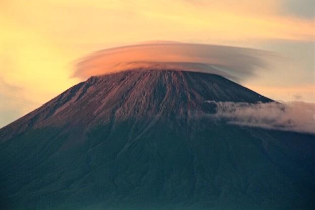 8月20日富士宮市からの夕方富士山~ 雲がいい感じでした!