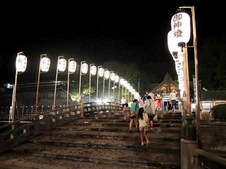 和霊神社 祭りの後6 名残を惜しむ人々