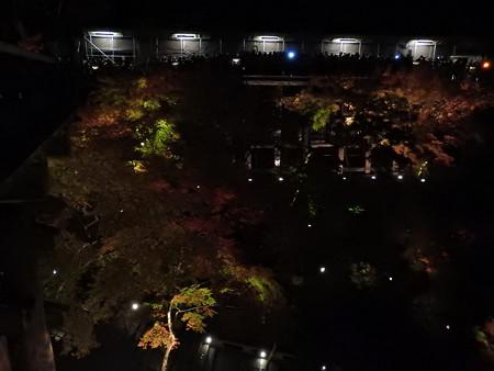 清水寺(夜)26 奥の院は数珠つなぎ