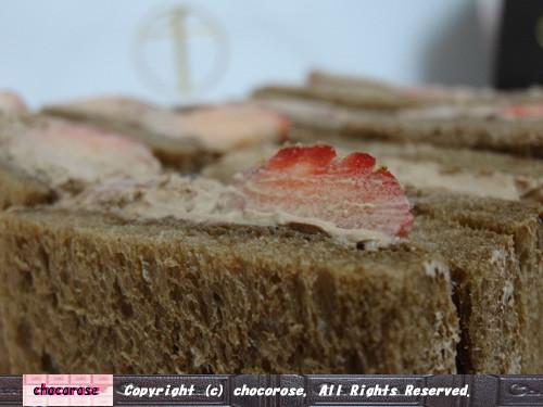 ココア生地の食パン美味しそう