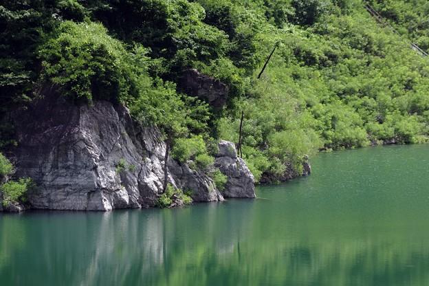 ダムの向こう側