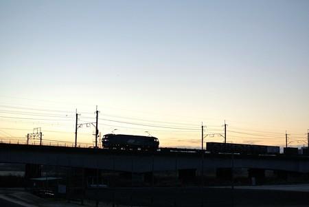 多摩川の夜明け