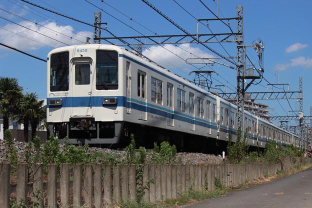 8000型