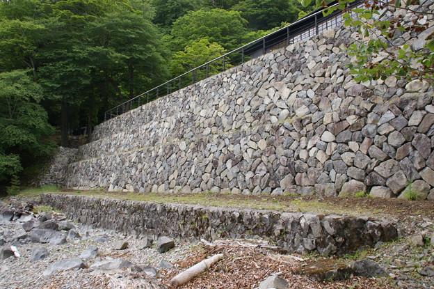 3段の石組み