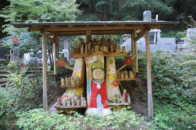 立木観音と百体の仏