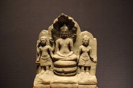 2016.02.17 東京国立博物館 ナーガ上の仏坐像と両脇侍像 タイ TC-793