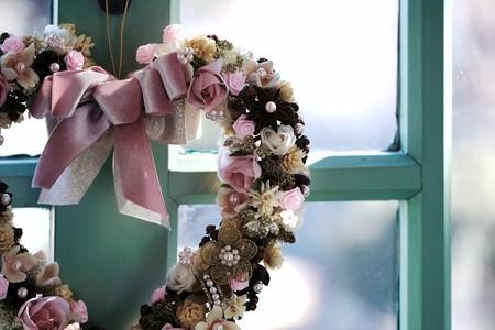 2018.02.13 ブラフ18番館 Mein Stil のヴァレンタイン装飾 窓辺の飾
