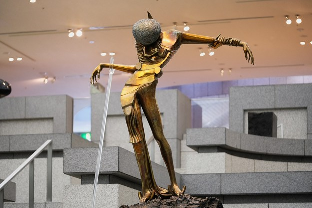 2018.02.13 横浜美術館 バラの頭の女性 サルバドール・ダリ 1981
