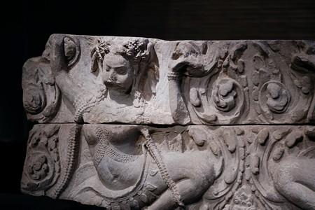 2018.03.16 東京博物館 浮彫アプサラス像 カンボジア・バイヨン TC-401