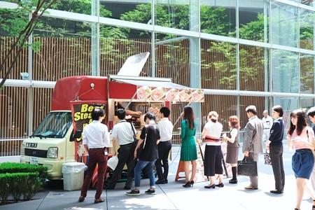 2018.07.19 東京国際フォーラム ネオ屋台村 列