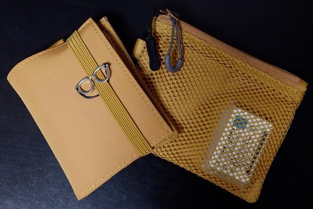 2019.01.18 机 ポシェット用、財布と物入