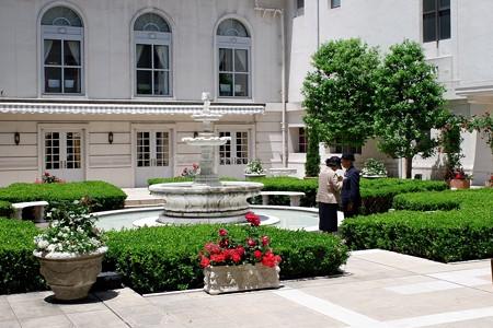 2019.05.24 ホテルニューグランド スマホで記念の撮影