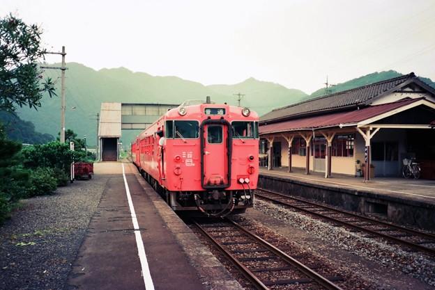 三江線普通列車、川戸駅