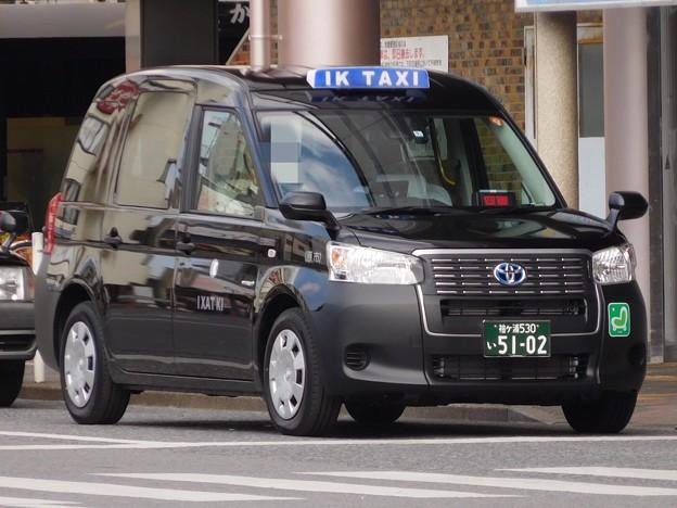 市原興業(IKタクシー) トヨタ・JPN TAXI