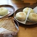 写真: 野沢温泉で軽食