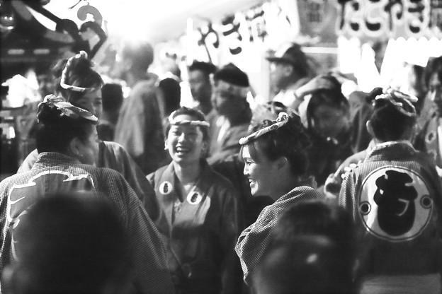写真: 祭りの夜