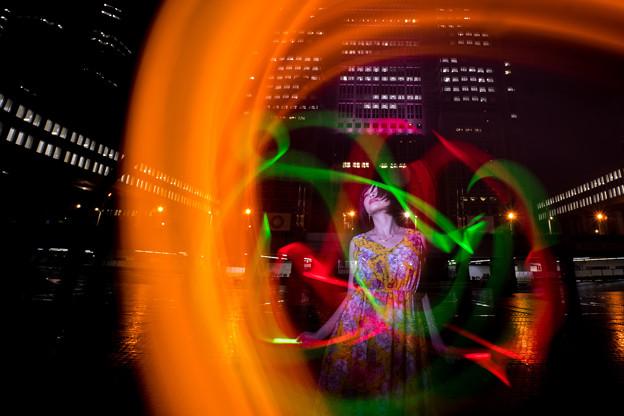 写真: 踊る光