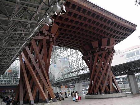 160314-01金沢駅
