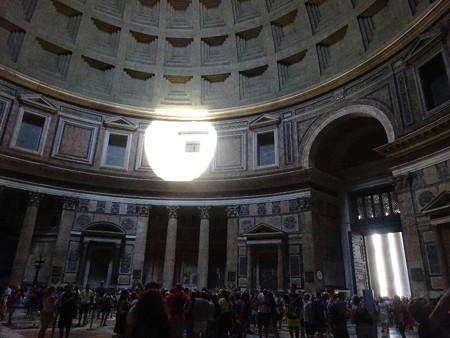 180817-11天井からの光