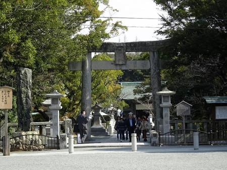 190309-01宗像大社参道