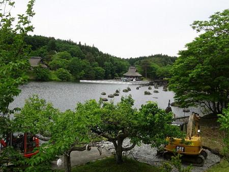 190531-02池は工事中