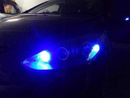 デミオ 埼玉県 フロントウインカー2色LED ブルー