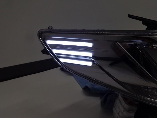 写真: アルファード30 大阪府 ヘッドライト加工 サイドマーカー加工