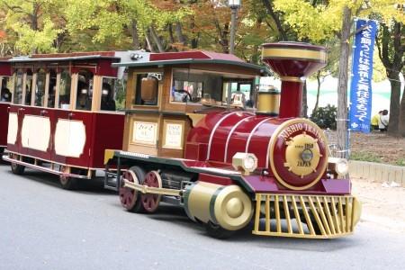 公園内を走る汽車?