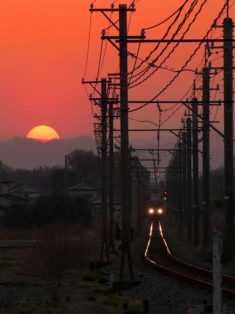 写真: 電車待ってたらマジ日が暮れちまう(笑)
